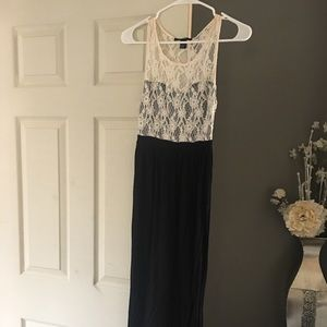 Lace-Sweetheart-Top Maxi